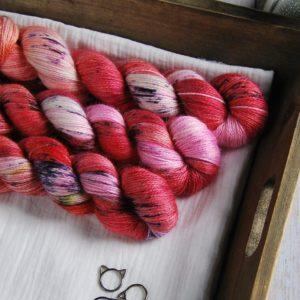 une-louve-dans-les-bois-1-laine-artisanal-teinte-main-alpaga-soie-cachemire-DK-festival