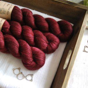 une-louve-dans-les-bois-1-laine-artisanal-teinte-main-alpaga-soie-cachemire-petite-griotte