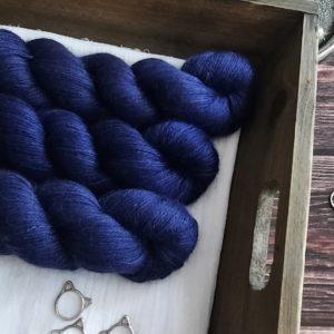 une-louve-dans-les-bois-1-laine-artisanal-teinte-main-alpaga-soie-cachemire-sailors-and-fishermen