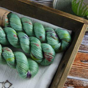une-louve-dans-les-bois-1-laine-artisanal-teinte-main-alpaga-soie-cachemire-sirenes
