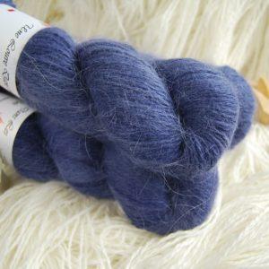 une-louve-dans-les-bois-1-laine-artisanal-teinte-main-angora-sailors-and-fishermen