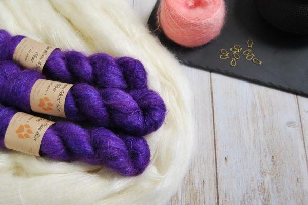 une-louve-dans-les-bois-1-laine-artisanal-teinte-main-superkid-mohair-1001-nuits