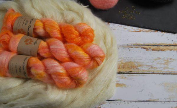 une-louve-dans-les-bois-1-laine-artisanal-teinte-main-superkid-mohair-marmelade-d-agrumes