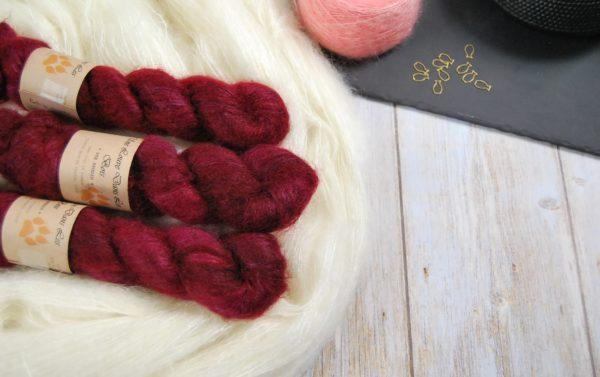 une-louve-dans-les-bois-1-laine-artisanal-teinte-main-superkid-mohair-petite-griotte