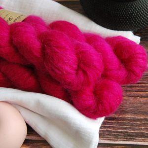 une-louve-dans-les-bois-1-laine-artisanal-teinte-main-suri-alpaga-bollywood