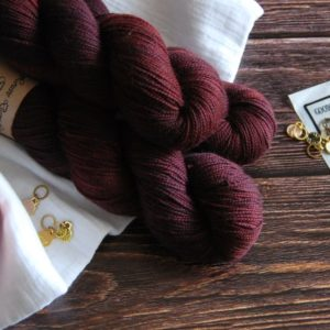 une-louve-dans-les-bois-1-merino-artisanal-teinte-main-twist-sock-erable-en-automne
