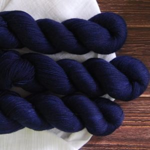 une-louve-dans-les-bois-1-merino-artisanal-teinte-main-twist-sock-sailors-and-fishermen