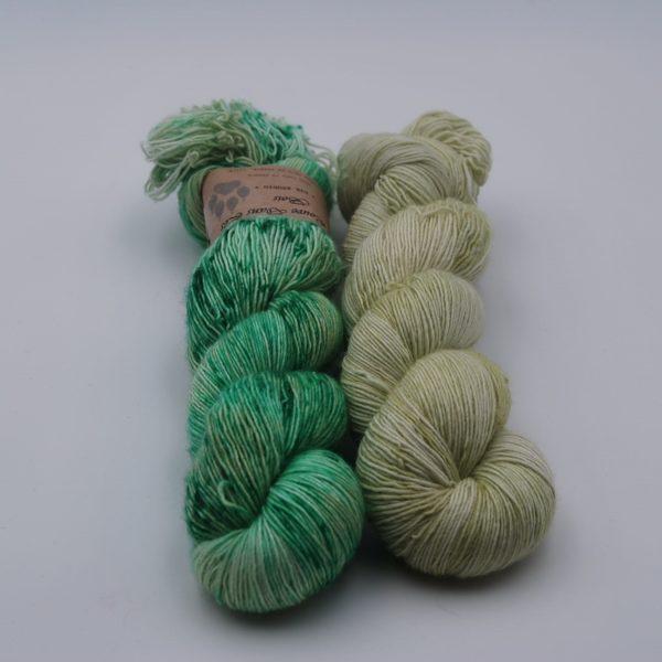 une-louve-dans-les-bois-2-laine-artisanal-teinte-main-single-solene-knits