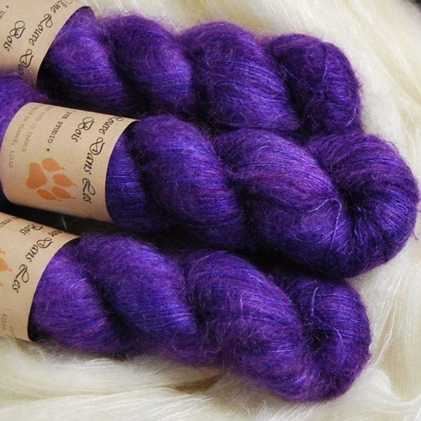 une-louve-dans-les-bois-2-laine-artisanal-teinte-main-superkid-mohair-1001-nuits