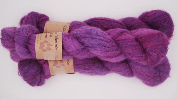 une-louve-dans-les-bois-2-laine-artisanal-teinte-main-suri-alpaga-1001-nuits