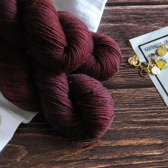 une-louve-dans-les-bois-2-merino-artisanal-teinte-main-twist-sock-erable-en-automne