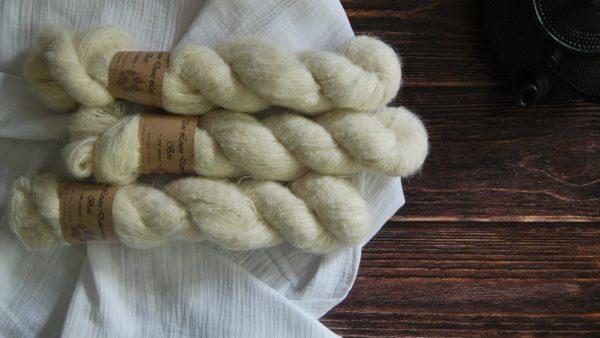 une-louve-dans-les-bois-3-laine-artisanal-teinte-main-suri-alpaga-mer-d-amundsen