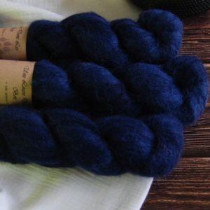 une-louve-dans-les-bois-3-laine-artisanal-teinte-main-suri-alpaga-sailors-and-fishermen