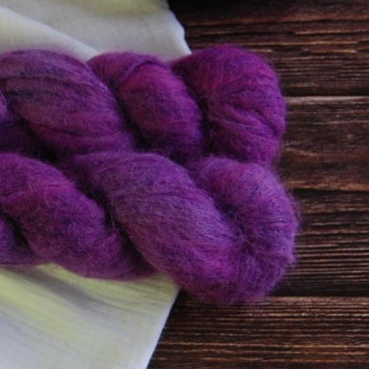 une-louve-dans-les-bois-6-laine-artisanal-teinte-main-suri-alpaga-1001-nuits