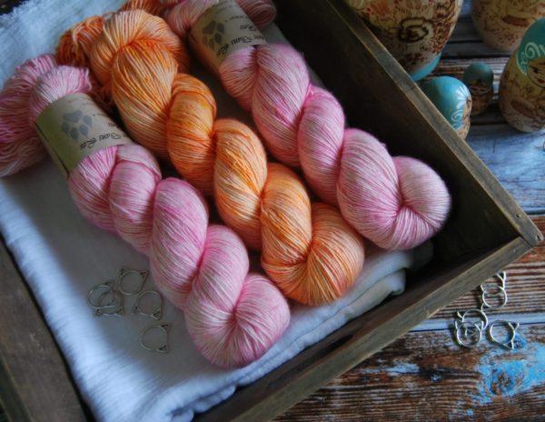 une-louve-dans-les-bois-kit-millesime-laine-artisanale-teinte-main-france-single-twist-fine-little-lady-marmelade-d-agrumes