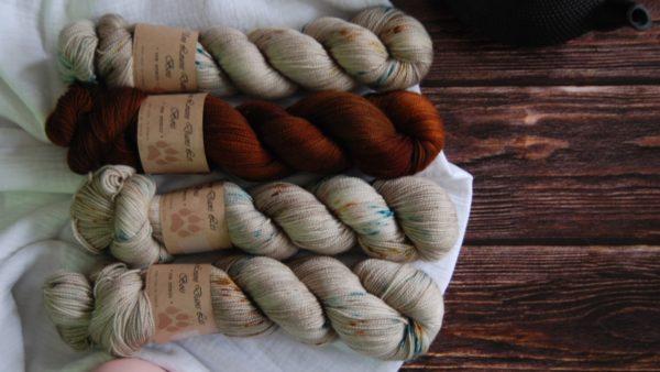 une-louve-dans-les-bois-kit-popeye-laine-artisanale-teinte-main-france-single-twist-fine-en-amoureux-sur-la-plage