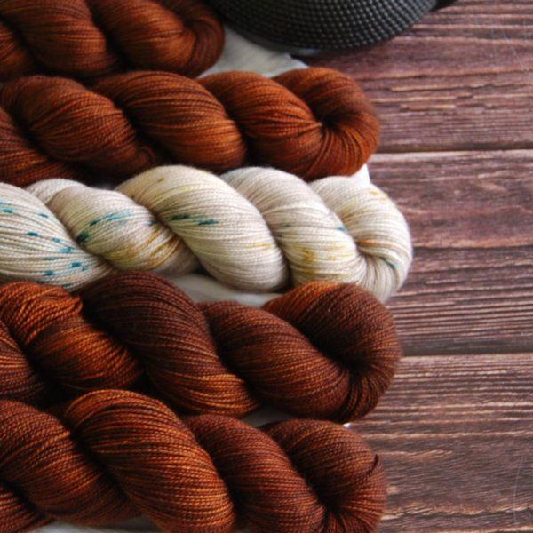 une-louve-dans-les-bois-kit-popeye-laine-artisanale-teinte-main-france-single-twist-fine-l-odeur-du-bois-2