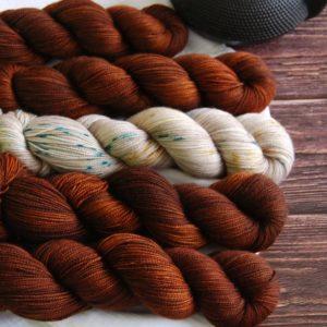 une-louve-dans-les-bois-kit-popeye-laine-artisanale-teinte-main-france-single-twist-fine-l-odeur-du-bois