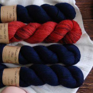 une-louve-dans-les-bois-kit-popeye-laine-artisanale-teinte-main-france-single-twist-fine-marin-pompier