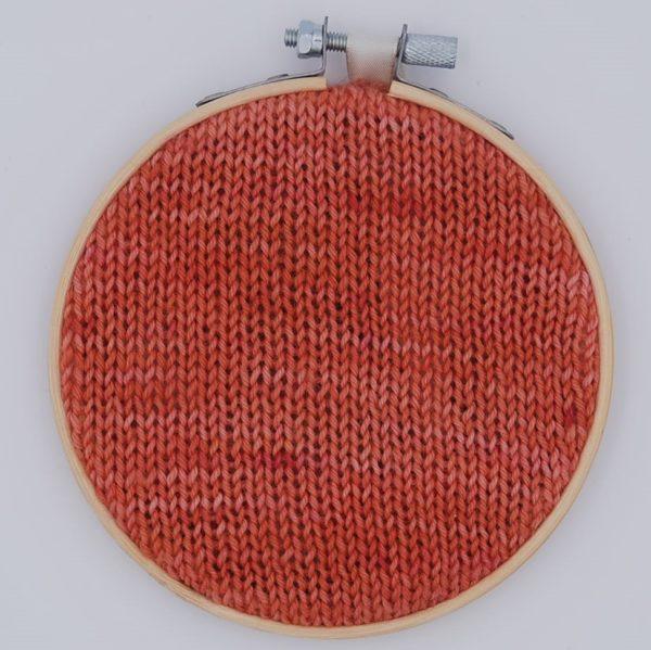 une-louve-dans-les-bois-nuancier-laine-artisanale-teinte-main-france-single-twist-fine-sock-palais-des-vents