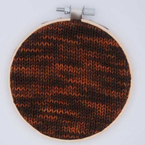une-louve-dans-les-bois-nuancier-laine-artisanale-teinte-main-france-single-twist-fine-sock-rustique